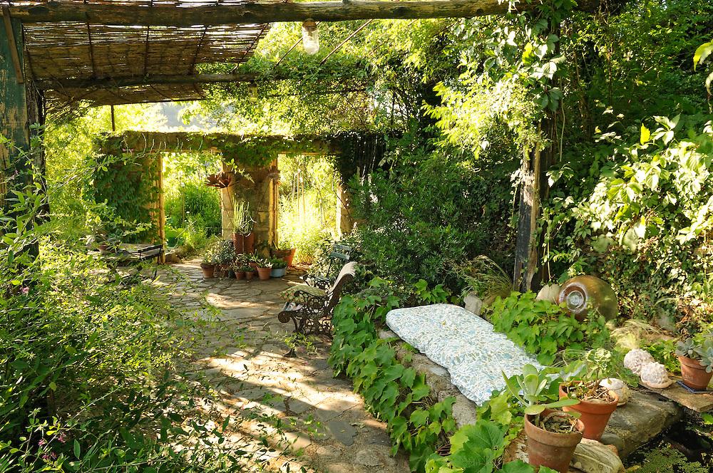 France, Languedoc Roussillon, Gard, Cévennes, Saint-André-de-Majencoules, jardin des Sambucs