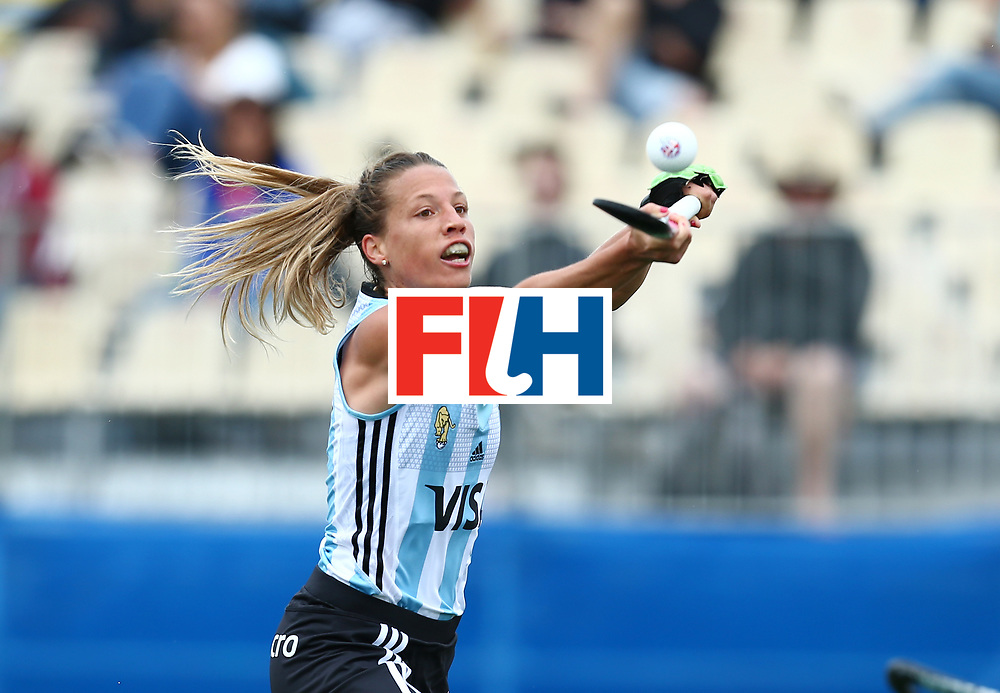New Zealand, Auckland - 18/11/17  <br /> Sentinel Homes Women&rsquo;s Hockey World League Final<br /> Harbour Hockey Stadium<br /> Copyrigth: Worldsportpics, Rodrigo Jaramillo<br /> Match ID: 10294 - ARG vs CHN<br /> Photo: (12) MERINO Delfina attack