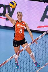 08-01-2016 TUR: European Olympic Qualification Tournament Nederland - Italie, Ankara<br /> De volleybaldames hebben op overtuigende wijze de finale van het olympisch kwalificatietoernooi in Ankara bereikt. Italië werd in de halve finales met 3-0 (25-23, 25-21, 25-19) aan de kant gezet / Judith Pietersen #8