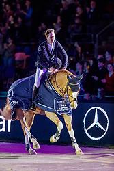 DEVOS Pieter (BEL), Apart<br /> Stuttgart - German Masters 2019<br /> Siegerehrung<br /> LONGINES FEI Jumping World Cup™ 2019/2020<br /> Großer Preis von Stuttgart mit Mercedes-Benz, WALTER solar und BW-Bank<br /> Int. Springprüfung mit Stechen - CSI5*-W<br /> Qualifikation zum Weltcup Finale<br /> 17. November 2019<br /> © www.sportfotos-lafrentz.de/Stefan Lafrentz