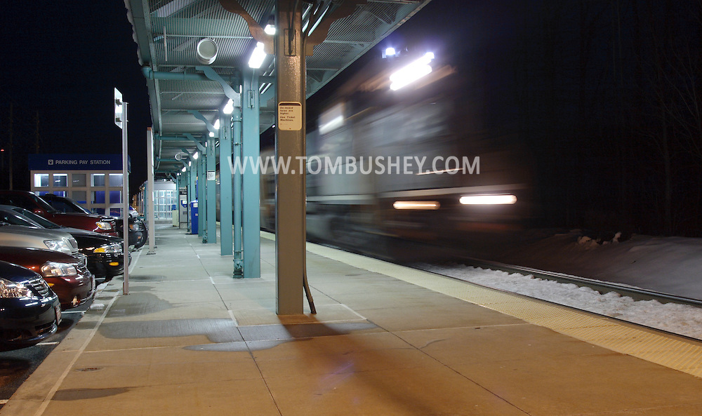 Town of Wallkill, N.Y. - A  passenger train pulls into the Metro North train station on the evening of Feb. 25, 2008.
