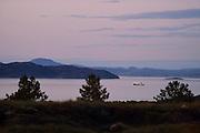 Submersible JAGO at the Lophelia sulareef in Norway. Trondheimfjord, North Atlantic Ocean, Norway | Forschungsschiff Poseidon auf Station im Trondheimfjord. Das Schiff hält dabei exakt die Position über dem Sulariff. Wissenschaftler können vom Forschungsschiff aus mit dem Tauchboot JAGO zu den Kaltwasserkorallen abtauchen oder auch Messinstrumente in die Tiefe schicken. Norwegen