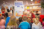 21-1-2015 HOORN - Princess Laurentien of the Netherlands last Wednesday, January 21, 2015 to work at the National Library in Voorleesontbijt Hoorn. Prinses Laurentien leest voor aan kinderen uit groep 1 en 2 uit het prentenboek Boer Boris gaat naar zee. Dit doet ze tijdens het Nationale Voorleesontbijt in de bibliotheek in Hoorn. Het betekent de start van de twaalfde editie van de Nationale Voorleesdagen.  COPYRIGHT ROBIN UTRECHT