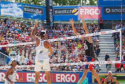 "22.07.2012, Klagenfurt, Strandbad, AUT, Beachvolleyball World Tour Grand Slam 2012, im BildPedro Salgado Petro 2 BRA / Marcio Araujo Marcio 1 BRA, Phil Dalhausser USA 2 USA / Todd Rogers 1 USA// during the A1 Beachvolleyball Grand Slam 2012 at the ""Strandbad"" Klagenfurt, Austria on 2012/07/22. EXPA Pictures © 2012, EXPA Pictures © 2012, PhotoCredit: EXPA/ Mag. Gert Steinthaler"