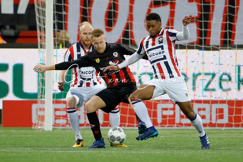 *Giliano Wijnaldum* of Willem II, *Mike van Duinen* of Excelsior
