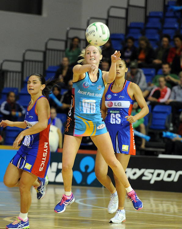 Steels Hayley Saunders against the Mystics  in the ANZ Championship netball match at Waitakere Trusts Stadium, New Zealand, Monday, June 11, 2012. Credit:SNPA / Ross Setford