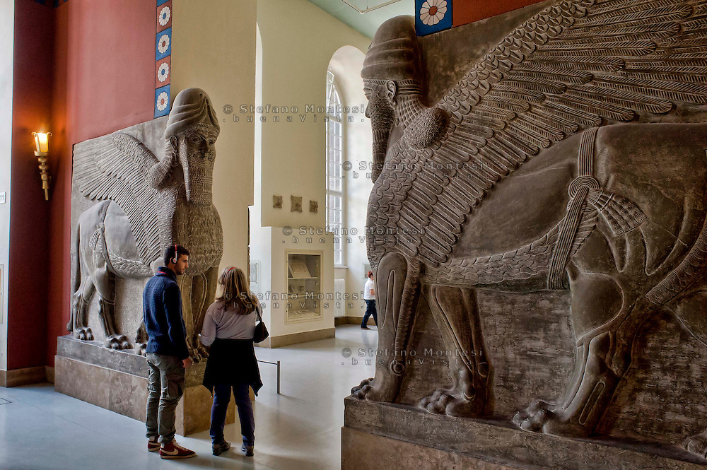 Berlin,  Museum Island<br /> Pergamon Museum,  A hall in the Museum of Islamic Art. Guardians of the Gate (Lamussu) of an Assyrian palace