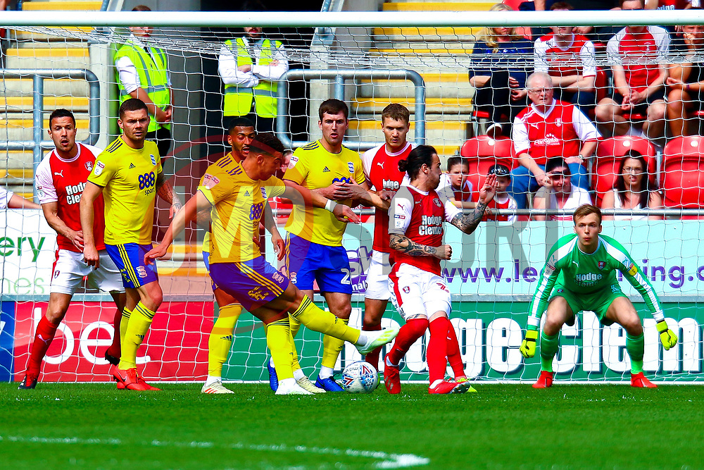 Craig Gardner of Birmingham City shoots at goal - Mandatory by-line: Ryan Crockett/JMP - 22/04/2019 - FOOTBALL - Aesseal New York Stadium - Rotherham, England - Rotherham United v Birmingham City - Sky Bet Championship