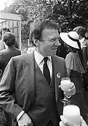 Anthony Haden-Guest. Nigel Dempster lunch party. Ascot. 1982. © Copyright Photograph by Dafydd Jones 66 Stockwell Park Rd. London SW9 0DA Tel 020 7733 0108 www.dafjones.com