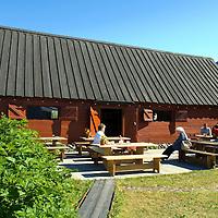 Ísafjörður: Tjöruhúsið veitingastaður, Ísafjarðarbær / Isafjordur: Tjoruhusid restaurant, Isafjardarbaer.