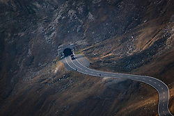 THEMENBILD - die Strasse bei Sonnenaufgang. Die Grossglockner Hochalpenstrasse verbindet die beiden Bundeslaender Salzburg und Kaernten mit einer Laenge von 48 Kilometer und ist als Erlebnisstrasse vorrangig von touristischer Bedeutung, aufgenommen am 15. September 2016, Bruck a. d. Glocknerstrasse, Oesterreich // the Road at Sunrise. The Grossglockner High Alpine Road connects the two provinces of Salzburg and Carinthia with a length of 48 km and is as an adventure road priority of tourist interest at Bruck a. d. Glocknerstrasse, Austria on 2016/09/15. EXPA Pictures © 2016, PhotoCredit: EXPA/ JFK