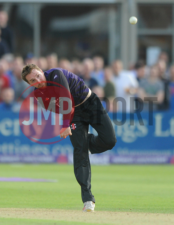 Tom Smith of Gloucestershire bowls - Photo mandatory by-line: Dougie Allward/JMP - Mobile: 07966 386802 - 19/06/2015 - SPORT - Cricket - Bristol - County Ground - Gloucestershire v Somerset - Natwest T20 Blast