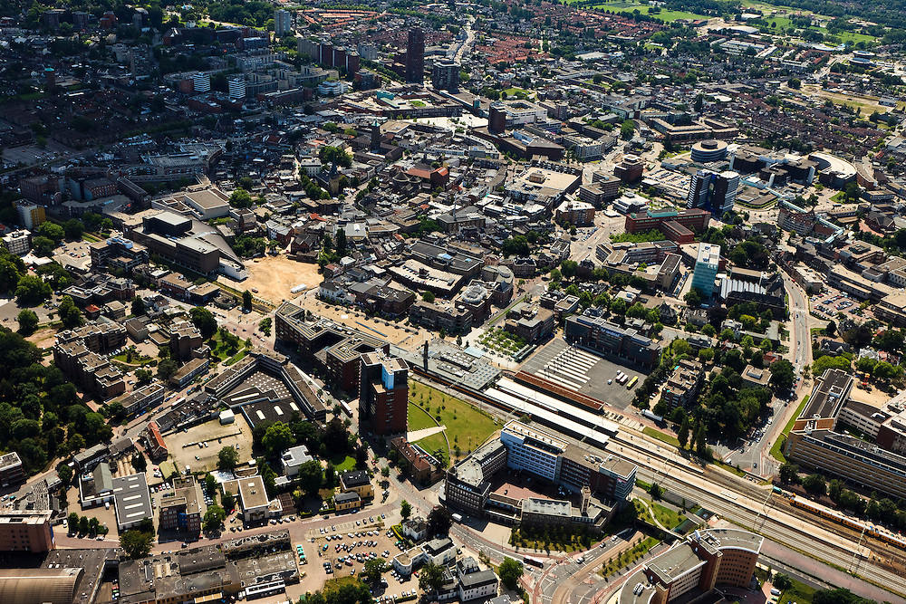 Nederland, Overijssel, Enschede, 30-06-2011;  Stationsplein, station.(dubbel eindstation) Railway station Enschede. (East-Netherlands).luchtfoto (toeslag), aerial photo (additional fee required).copyright foto/photo Siebe Swart