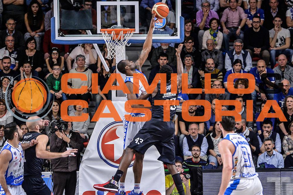 DESCRIZIONE : Beko Legabasket Serie A 2015- 2016 Dinamo Banco di Sardegna Sassari - Pasta Reggia Juve Caserta<br /> GIOCATORE : Linton Johnson Brenton Petway<br /> CATEGORIA : Tiro Penetrazione Sottomano Controcampo Stoppata<br /> SQUADRA : Dinamo Banco di Sardegna Sassari<br /> EVENTO : Beko Legabasket Serie A 2015-2016<br /> GARA : Dinamo Banco di Sardegna Sassari - Pasta Reggia Juve Caserta<br /> DATA : 03/04/2016<br /> SPORT : Pallacanestro <br /> AUTORE : Agenzia Ciamillo-Castoria/L.Canu