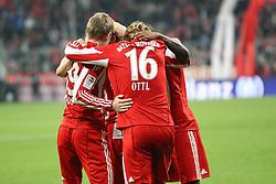 29.10.2010, Allianz Arena, Muenchen, GER, 1.FBL, FC Bayern Muenchen vs SC Freiburg, im Bild  freude nach dem 4-1 durch Toni Kroos (Bayern #39) mit Bastian Schweinsteiger (Bayern #31) und Edson Braafheid (Bayern #4)  und Andreas Ottl (Bayern #16) , EXPA Pictures © 2010, PhotoCredit: EXPA/ nph/  Straubmeier+++++ ATTENTION - OUT OF GER +++++