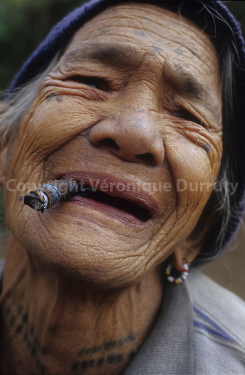 OLD KALINGA - HEAD HUNTERS TRIBE - WOMAN,  NORTH LUZON,THE PHILIPPINES