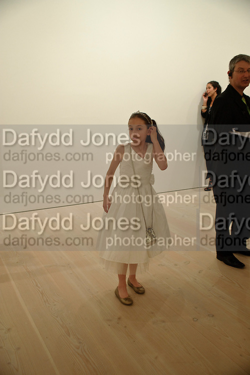 HOLLIE STEEL, Hear the World Ambassadors Ð An Exhibition of Photography by Bryan Adams , The Saatchi Gallery. Sloane sq. London. 21 July 2009. Hear the World - an initiative by Phonak, aims to raise international awareness about hearing and hearing loss<br /> HOLLIE STEEL, Hear the World Ambassadors ? An Exhibition of Photography by Bryan Adams , The Saatchi Gallery. Sloane sq. London. 21 July 2009. Hear the World - an initiative by Phonak, aims to raise international awareness about hearing and hearing loss