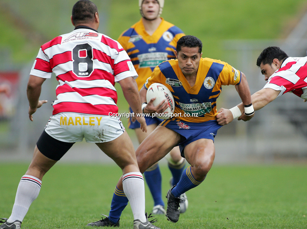Paul Fisi'iahi during the Bartercup Cup Semifinal match between the Mount Albert Lions and the Counties Manukau Jetz at Ericsson Stadium, Auckland, New Zealand on Sunday 11 September, 2005. Photo: Hannah Johnston/PHOTOSPORT<br /><br /><br /><br />134453