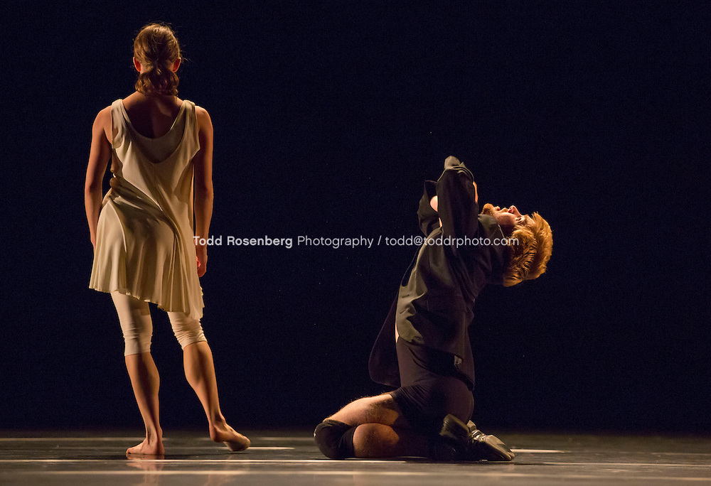 10/9/13 4:06:42 PM -- Hubbard Street Dance Chicago Tech of Passomezzo by Ohad Naharin featuring Kellie Epperheimer and Johnny McMillan. © Todd Rosenberg Photography 2013