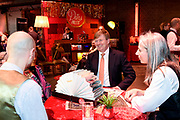 Koning Willem Alexande op de Nationale Vrijwilligersdag, de jubileumbijeenkomst van het Oranje Fonds in de Fabrique in Maarssen. Tijdens de bijeenkomst 'Morgen is Vandaag' staan, naast een terugblik op afgelopen 15 jaar, de ontwikkelingen van het Oranje Fonds voor de komende jaren centraal.<br /> <br /> King Willem Alexande on the National Volunteer Day, the jubilee meeting of the Oranje Fonds in the Fabrique in Maarssen. During the 'Tomorrow is Today' meeting, in addition to a review of the past 15 years, the developments of the Oranje Fonds will be central for the coming years.<br /> <br /> Op de foto / On the photo:  Koning Willem-Alexander bij een van de initiatieven tijdens de jubileumbijeenkomst van het Oranje Fonds.<br /> <br /> King Willem-Alexander at one of the initiatives during the jubilee meeting of the Oranje Fonds.