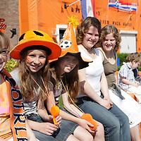 20080506 - NEDERLAND KLEURT ORANJE