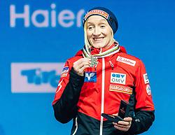 28.02.2019, Seefeld, AUT, FIS Weltmeisterschaften Ski Nordisch, Seefeld 2019, Skisprung, Damen, Siegerehrung, im Bild Bronzemedaillengewinnerin Daniela Iraschko-Stolz (AUT) // Bronce medalist Daniela Iraschko-Stolz of Austria during the winner Ceremony for the ladie's Skijumping of the FIS Nordic Ski World Championships 2019. Seefeld, Austria on 2019/02/28. EXPA Pictures © 2019, PhotoCredit: EXPA/ Stefan Adelsberger