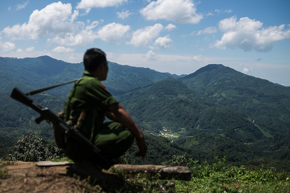 Mai Ja Yang 20160911<br /> Lieutenant Brang Seng looks out over enemy territory from Lagat Bom, one of the K.I.A. outposts near Mai Ja Yang in Kachin State, Myanmar.<br /> Photo: Vilhelm Stokstad / Kontinent