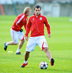 LIVERPOOL, ENGLAND - Tuesday, December 8, 2009: Liverpool's Javier Mascherano during a training session at Melwood ahead of the UEFA Champions League Group E match against AFC Fiorentina. (Pic by David Rawcliffe/Propaganda)