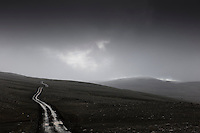 Þungbúið veður og rigning á Sprengisandi, grátt um að litast. Rain at Sprengisandur Highland road in Iceland.