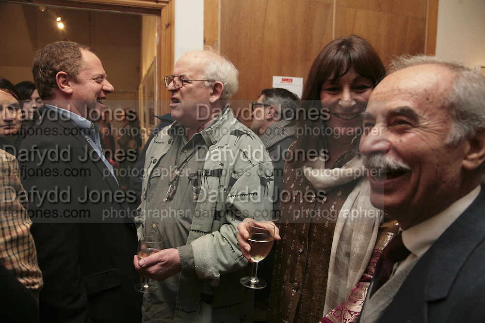 Michael Hoppen, Ralph Steadman. Angelica Huston and Hector Nabulski, Hunter S Thompson: Gonzo -Michael Hoppen Gallery, London, SW3, Photographs of, and by Hunter Thompson.1 February 2007.  -DO NOT ARCHIVE-© Copyright Photograph by Dafydd Jones. 248 Clapham Rd. London SW9 0PZ. Tel 0207 820 0771. www.dafjones.com.