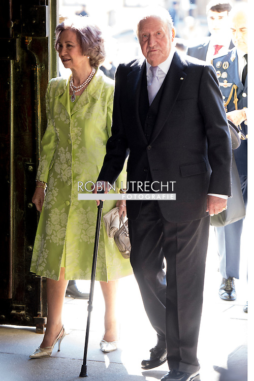 30-4-2016 - King Juan Carlos and Former Queen Sofia princess beatrix Chris O'Neill, Princess Madeleine of Sweden, Crown Princess Victoria of Sweden, Oscar Carl Olof, Princess Estelle, Prince Daniel, Princess Sofia, Prince Carl Philip, King Carl Gustaf and Queen Silvia King Carl Gustaf, Queen Silvia, Crown Princess Victoria, Prince Daniel, Prince Carl Philip, Princess Madeleine and Chris O&rsquo;Neill  The Swedish Armed Forces&rsquo; celebration &ndash; The Outer Courtyard celebration of The King&rsquo;s 70th birthday celebration of The King&rsquo;s 70th birthday STOCKHOLM COPYRIGHT ROBIN UTRECHT<br /> 30-4-2016 - prinses Beatrix Chris O'Neill, Prinses Madeleine van Zweden, Kroonprinses Victoria van Zweden, Oscar Carl Olof, Prinses Estelle, Prins Daniel, Princess Sofia, prins Carl Philip, koning Carl Gustaf en koningin Silvia Koning Carl Gustaf , koningin Silvia, kroonprinses Victoria, Prins Daniel, prins Carl Philip, prinses Madeleine en Chris O'Neill De Zweedse strijdkrachten 'viering - The Outer Courtyard viering van The King's 70ste verjaardag viering van de koning van zweden  70ste verjaardag STOCKHOLM