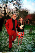 Marriage of Emily Mortimer, ( daughter of John Mortimer ) to Alessandro Nivola, Turville.© Copyright Photograph by Dafydd Jones 66 Stockwell Park Rd. London SW9 0DA Tel 020 7733 0108 www.dafjones.com