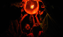 November 3, 2018 - Kolkata, WEST BENGAL, India - Woman Times organised Sky Lantern Festival on the occasion of Diwali Celebration with some Children from economically challenged background. (Credit Image: © Avishek Das/Pacific Press via ZUMA Wire)