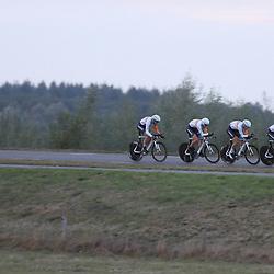 27-09-2016: Wielrennen: Olympia Tour: Hardenberg <br />HARDENBERG (NED) wielrennen <br />Nederlands oudste wielerkoers ging van start in Hardenberg met een ploegentijdrit. Rabobank Development Team