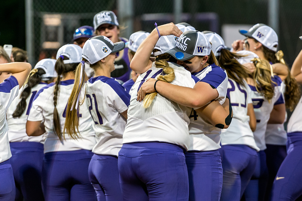 2017 NCAA Super Regional Utah@UW Game 3. Photo: Alika Jenner