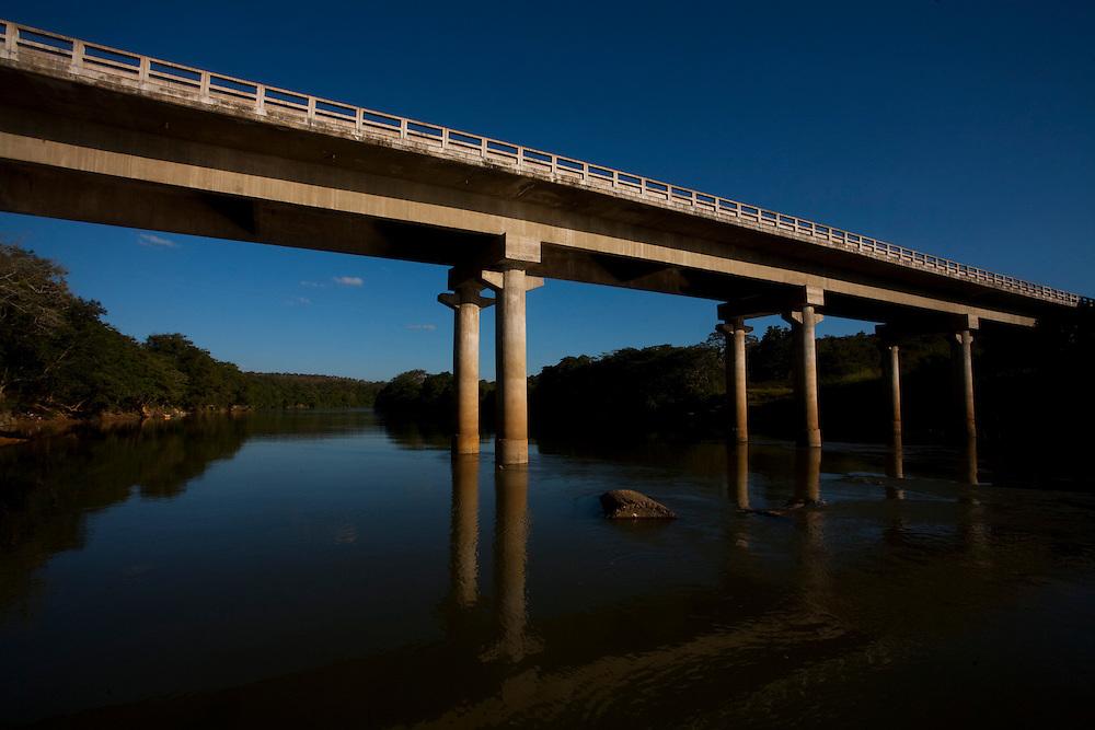 Pitangui_MG, Brasil...Rio Para em Pitangui, Minas Gerais...The Para river in Pitangui, Minas Gerais...Foto: LEO DRUMOND / NITRO