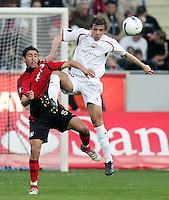 Fussball  UEFA Pokal  Viertelfinale  Hinspiel   Saison 2006/2007 Bayer 04 Leverkusen - CA Osasuna                Karim HAGGUI (li, Leverkusen) gegen Savo MILOSEVIC (re, CA)