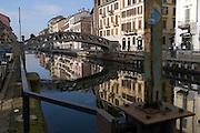 Pedestrian bridge near Corsico street across Naviglio Grande (canal) at Ticinese district in Milan, January 20, 2011. © Carlo Cerchioli..Ponte pedonale di via Corsico attraverso il Naviglio Grande al quartiere Ticinese a Milano, 20 gennaio, 2011.