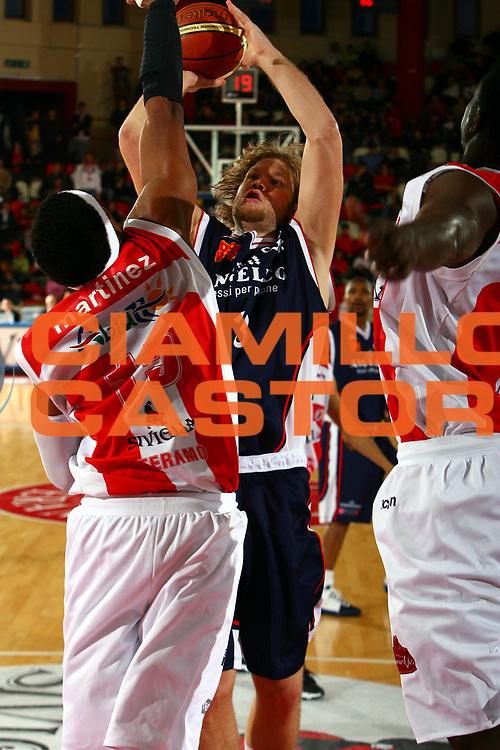 DESCRIZIONE : Teramo Lega A1 2006-07 Siviglia Wear Teramo Angelico Biella<br />GIOCATORE : Coppenrath<br />SQUADRA : Angelico Biella<br />EVENTO : Campionato Lega A1 2006-2007 <br />GARA : Siviglia Wear Teramo Angelico Biella<br />DATA : 11/03/2007<br />CATEGORIA : Tiro<br />SPORT : Pallacanestro <br />AUTORE : Agenzia Ciamillo-Castoria/E.Castoria<br />Galleria : Lega Basket A1 2006-2007<br />Fotonotizia : Bologna Campionato Italiano Lega A1 2006-2007 Siviglia Wear Teramo Angelico Biella<br />Predefinita :