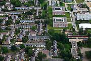 Nederland, Drenthe, Gemeente Emmen, 30-06-2011; Emmerhout, naoorlogse woonwijk uit de jaren '70. Scandinavisch (Fins) stedenbouwkundig concept, woonerven zonder (doorgaand) verkeer en wonen in het groen. Autoverkeer gescheiden van overig verkeer..Emmerhout, post-war neighborhood from the 70s. Scandinavian (Finnish) urban concept, residential areas without (through) traffic, gene environment. Car traffic separated from other traffic.luchtfoto (toeslag), aerial photo (additional fee required).copyright foto/photo Siebe Swart