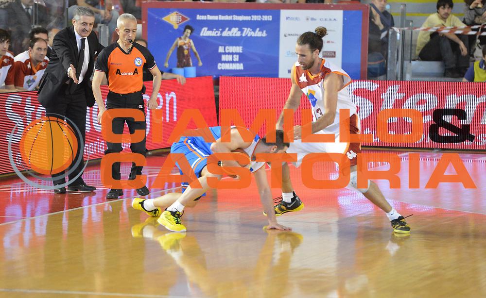 DESCRIZIONE : Roma Lega A 2012-2013 Acea Roma Enel Brindisi<br /> GIOCATORE : Matteo Formenti<br /> CATEGORIA : equilibrio curiosita<br /> SQUADRA : Enel Brindisi<br /> EVENTO : Campionato Lega A 2012-2013 <br /> GARA : Acea Roma Enel Brindisi<br /> DATA : 21/04/2013<br /> SPORT : Pallacanestro <br /> AUTORE : Agenzia Ciamillo-Castoria/GiulioCiamillo<br /> Galleria : Lega Basket A 2012-2013  <br /> Fotonotizia : Roma Lega A 2012-2013 Acea Roma Enel Brindisi<br /> Predefinita :
