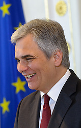20.03.2012, Bundeskanzleramt, Wien, AUT, Bundesregierung, Sitzung des Ministerrats, im Bild Bundeskanzler Werner Faymann SPÖ lachend, im Hintergrund die europäische flagge // Federal Chancellor Werner Faymann SPOE loughing with european flag in the background during the press foyer after the council of ministers, Chancellors office, Vienna, Austria on 2012/03/20, EXPA Pictures © 2012, PhotoCredit: EXPA/ M. Gruber