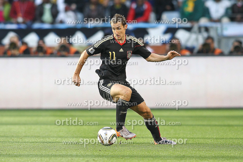 03.07.2010, CAPE TOWN, SOUTH AFRICA, im Bild .Miroslav Klose of Germany on the attack during the Quarter Final, Match 59 of the 2010 FIFA World Cup, Argentina vs Germany held at the Cape Town Stadium..Foto ©  nph /  Kokenge