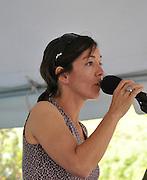 roth d'lux concert at 2010 Tucson Folk Festival.