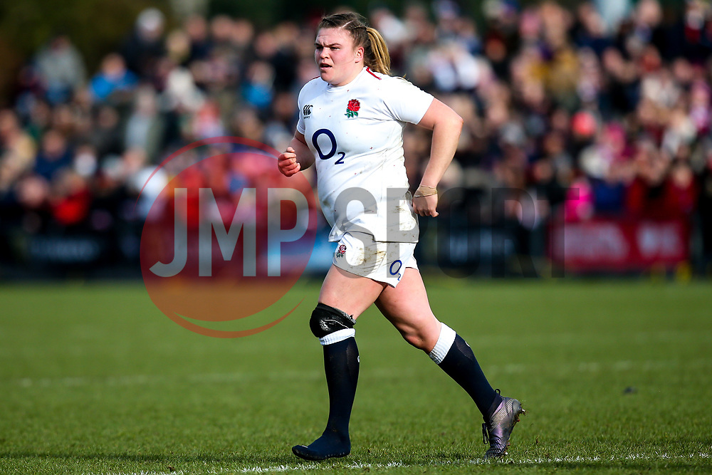Sarah Bern of England Women plays on after losing a boot - Mandatory by-line: Robbie Stephenson/JMP - 10/02/2019 - RUGBY - Castle Park - Doncaster, England - England Women v France Women - Women's Six Nations