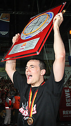 17.06.2010, Jako Arena, Bamberg, GER, 1.BBL, Brose Baskets vs Deutsche Bank Skyliners Frankfurt, im Bild: .Karsten Tadda (Bamberg #9) jubel zu den Fans mit der Meistertafel.EXPA Pictures © 2010, PhotoCredit: EXPA/ nph/  News / SPORTIDA PHOTO AGENCY