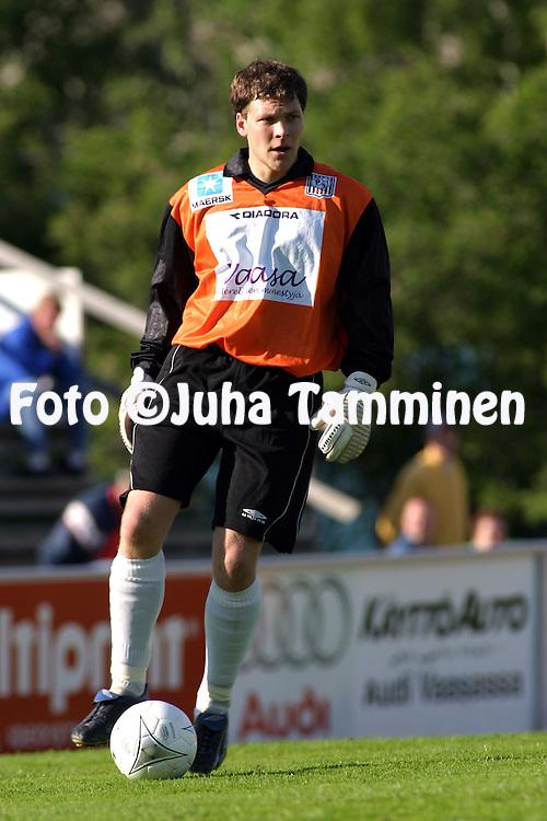 15.06.2003, Hietalahti, Vaasa, Finland..I Divisioona / Finnish 1st Division.Vaasan Palloseura v Tornion Pallo-47.Kalle Luode - VPS.©Juha Tamminen