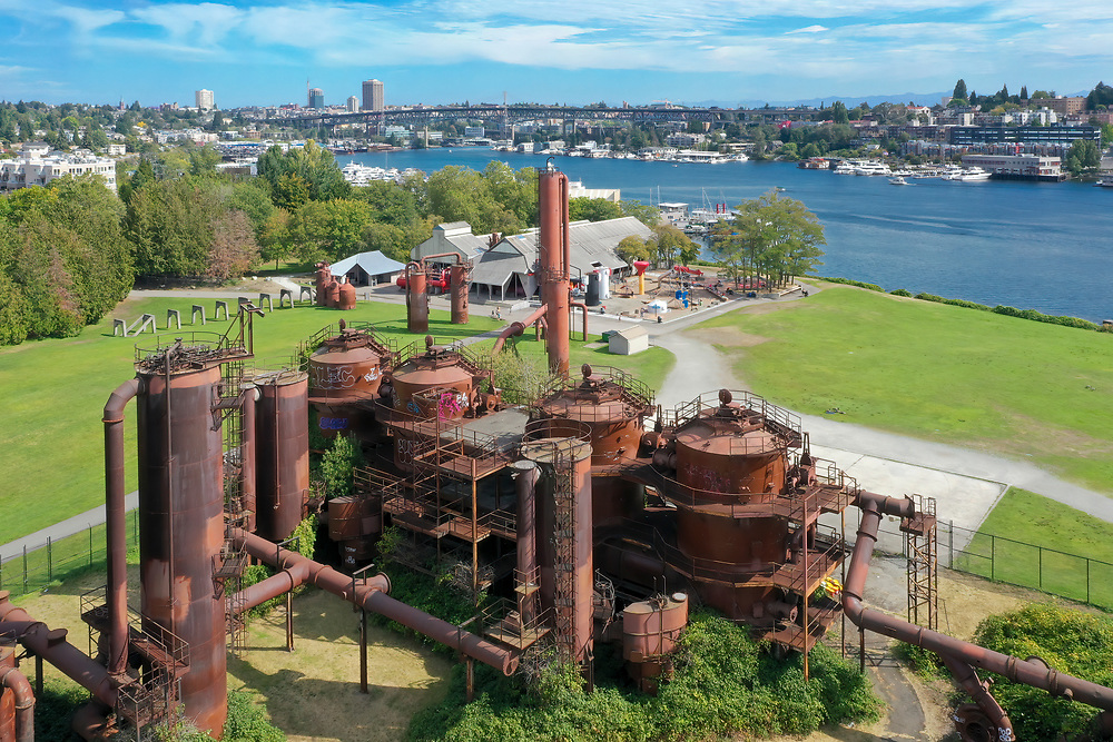 United States, Washington, Seattle, rusted gas tanks at Gas Works Park and Lake Union (aerial view)