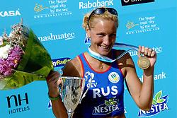 27-08-2006: VOLLEYBAL: NESTEA EUROPEAN CHAMPIONSHIP BEACHVOLLEYBALL: SCHEVENINGEN<br /> Natalia Uryadova (RUS)<br /> &copy;2006-WWW.FOTOHOOGENDOORN.NL
