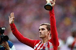 August 25, 2018 - Griezmann of Atletico de Madrid with World Champion Cup during the spanish league, La Liga, football match between Atletico de Madrid and Rayo Vallecano on August 25, 2018 at Wanda Metropolitano stadium in Madrid, Spain. (Credit Image: © AFP7 via ZUMA Wire)